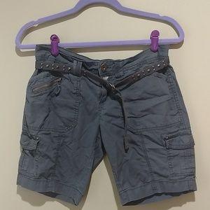 ♥️ Gray bermuda cargo shorts with matching belt